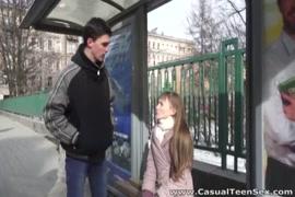 سكس مترجم الاب يعلم بنت المصارعة